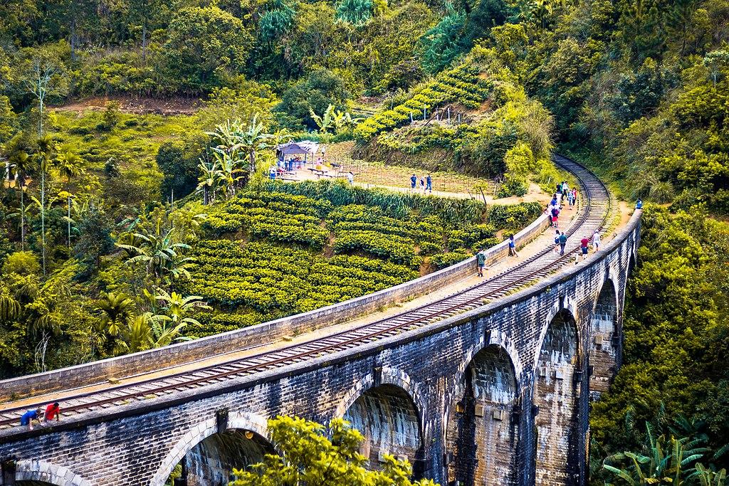 Nine Arch bridge Sri Lanka from Elle