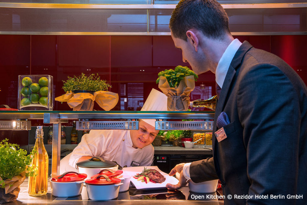 Open-kitchen-Radisson-Blu-Berlin