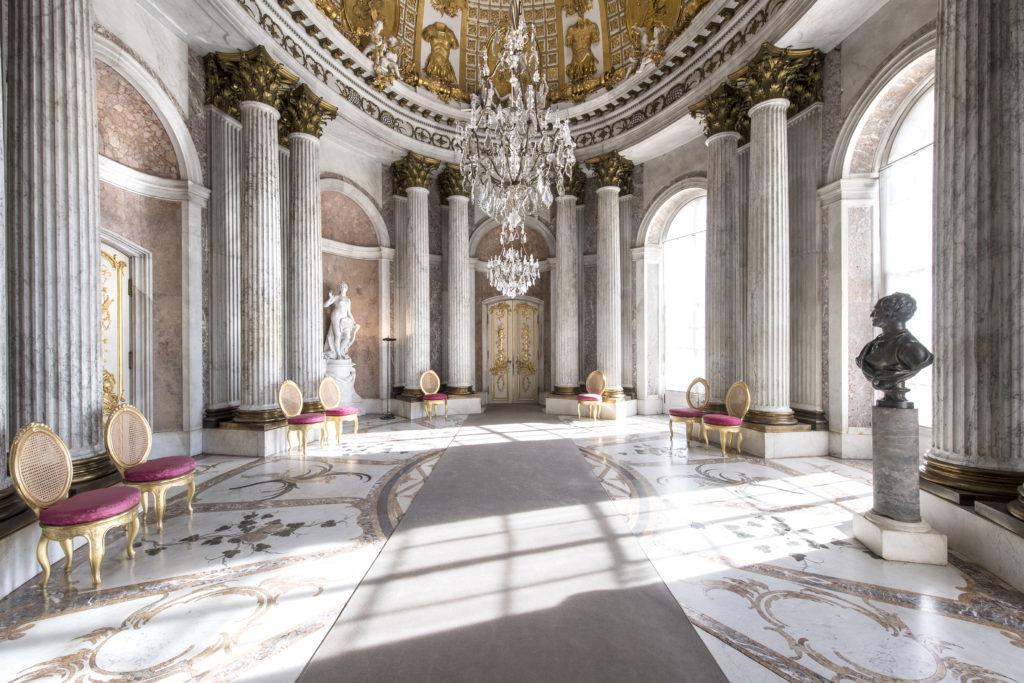 Potsdam_Schloss_Sanssouci,
