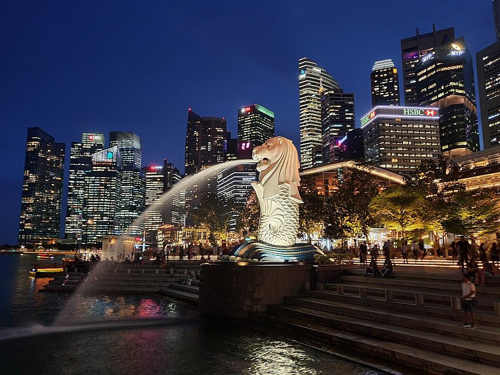 Singapore_Skyline lit up at night