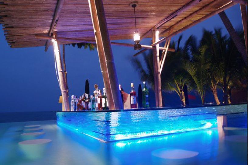8 Exquisite Swim Up Bars In Dreamy Locations Wego Travel