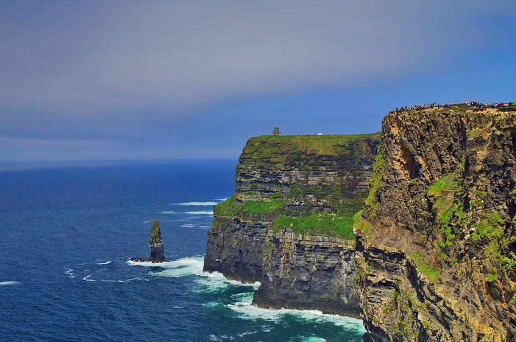 ireland moher cliff